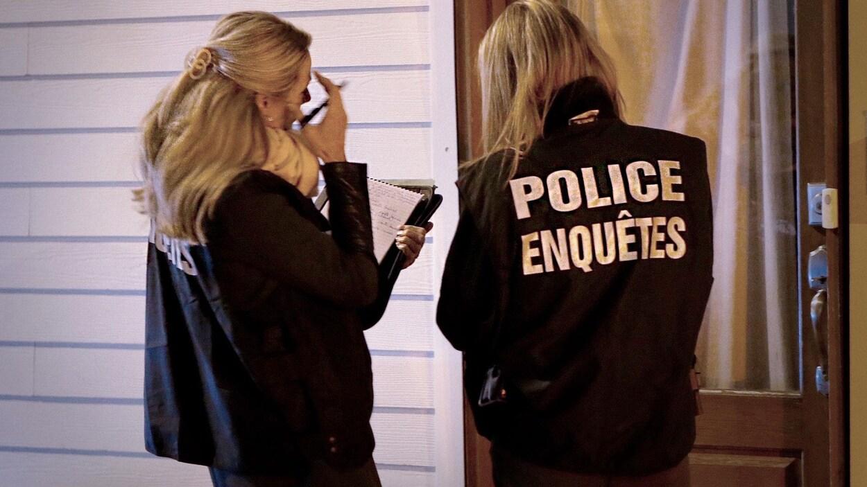Deux policières aux enquêtes du SPVQ.