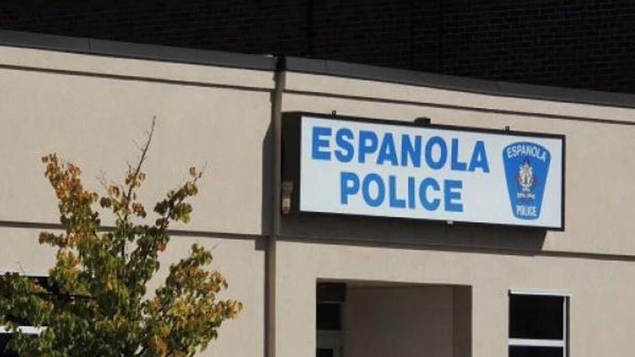 Enseigne du service de police d'Espanola.