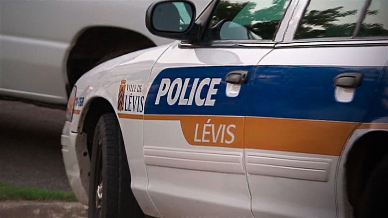 Voiture du Service de police de la Ville de Lévis.