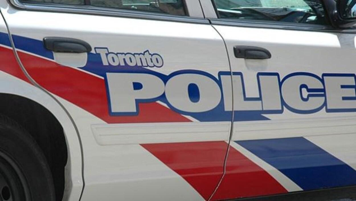 La police de Toronto confirme qu'elle a tué l'ours qu'elle cherchait depuis hier dans un quartier résidentiel du nord-est de Toronto.