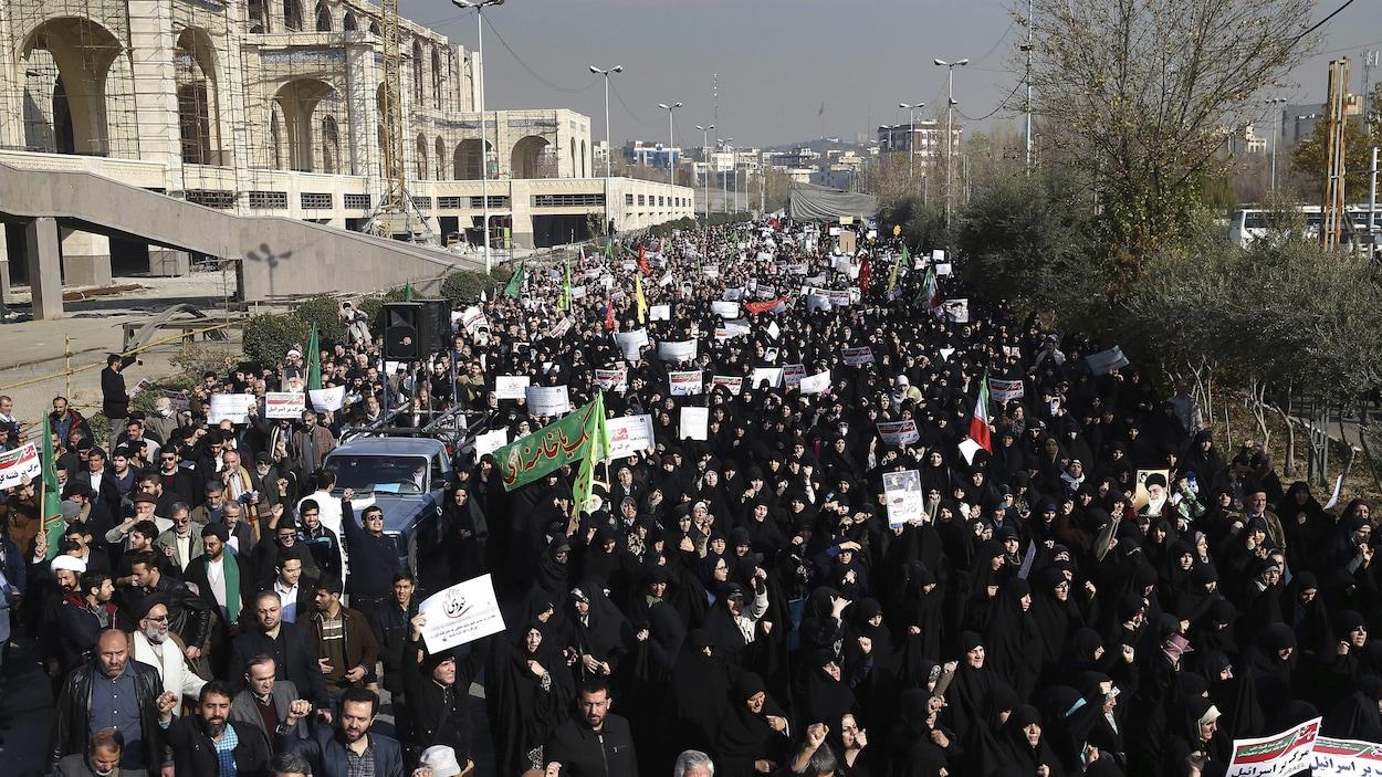 Manifestation dans une grande ville d'Iran contre le chômage et l'inflation