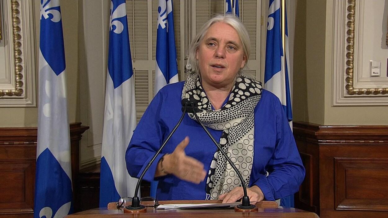 La députée solidaire Manon Massé lors d'un point de presse.