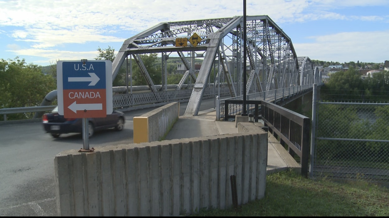 Le pont international à Edmundston au Nouveau-Brunswick