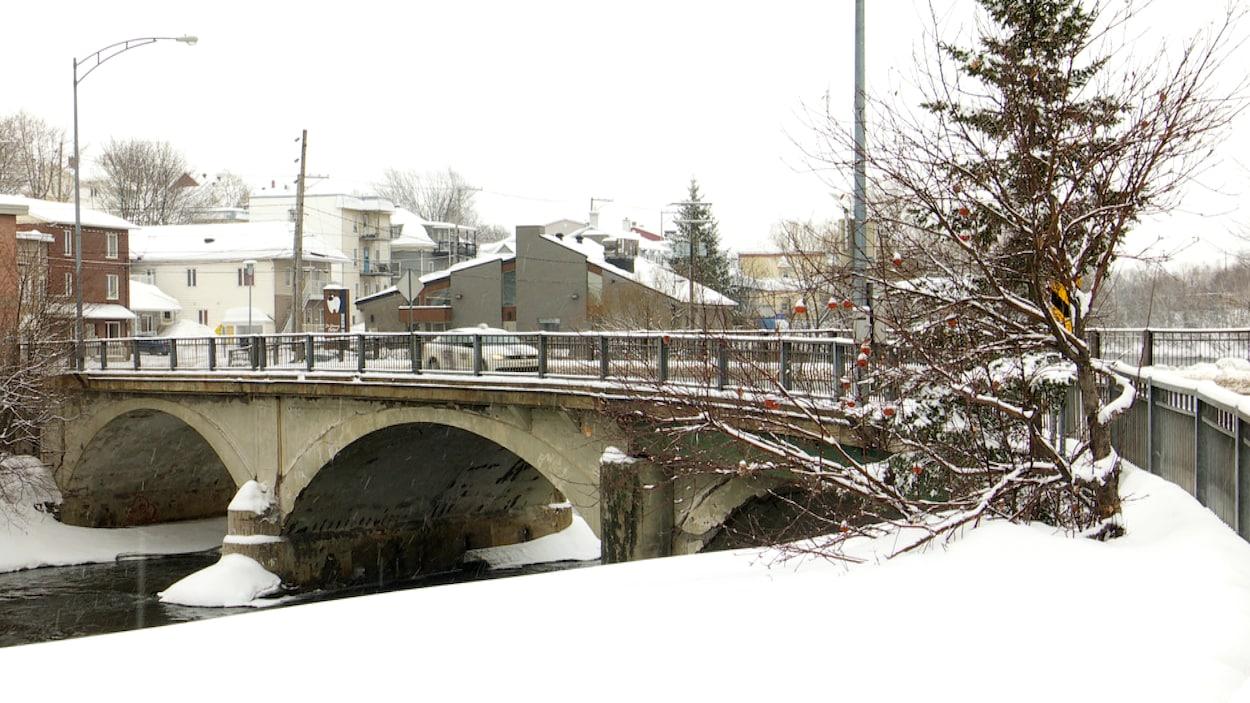 Le pont d'Amours à Rivière-du-Loup.