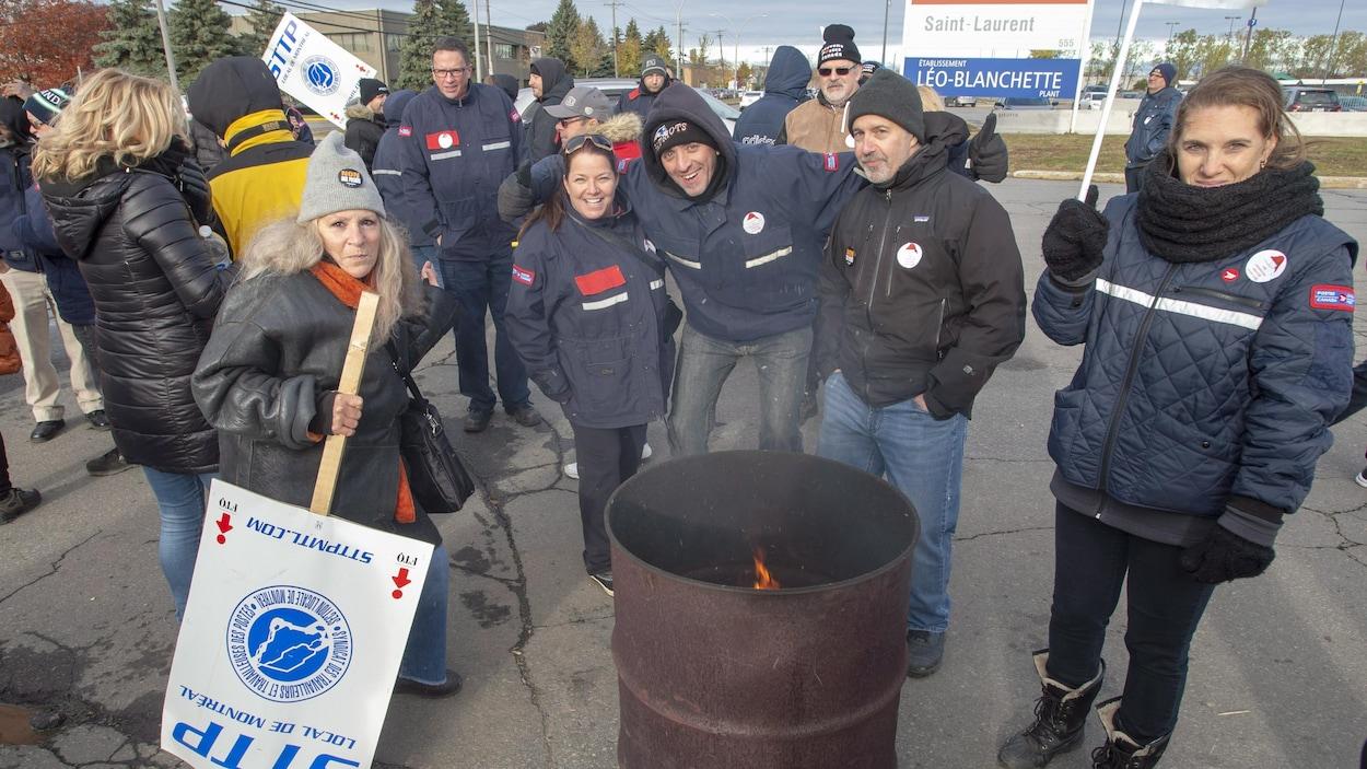 Postes Canada: au tour des employés de Montréal de faire la grève