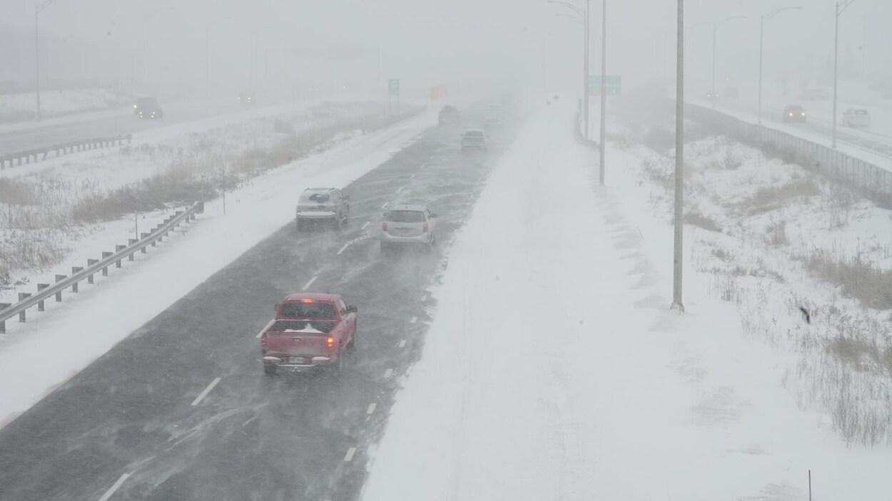 Jusqu'40 cm dans certains secteurs — Tempête de neige