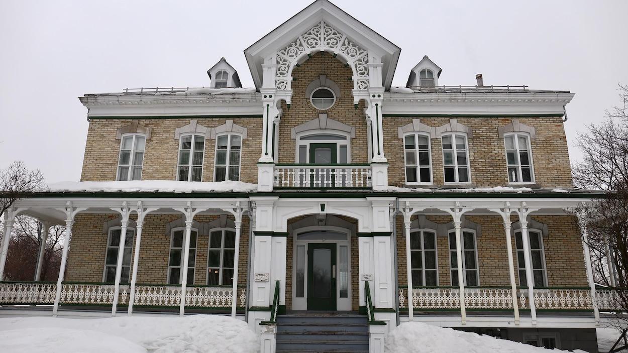La bâtiment a été construit en 1893.