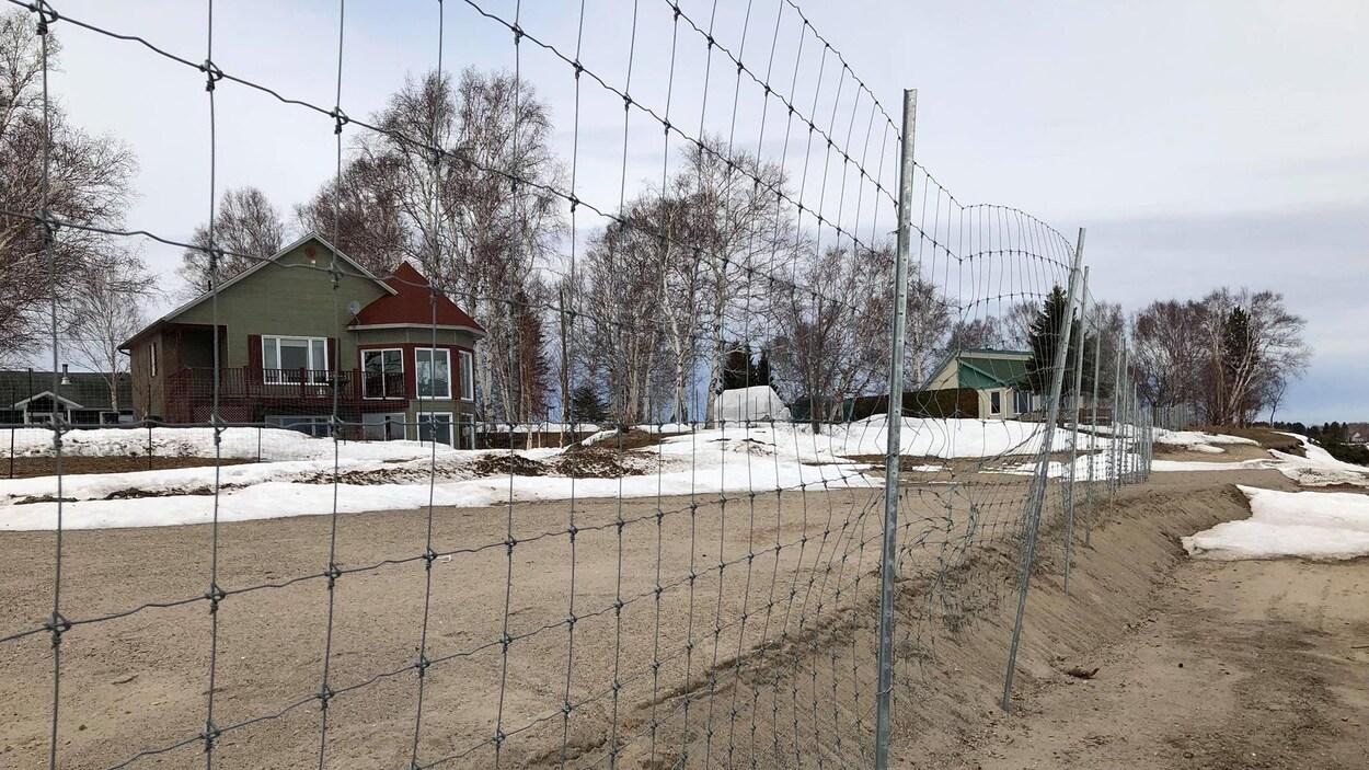 Des propriétés de la pointe Langevin menacées par l'érosion des berges