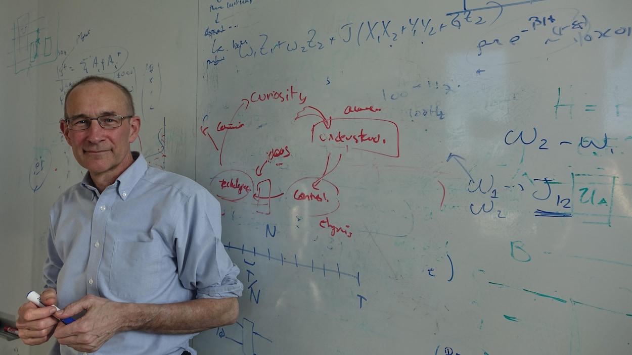 Raymond Laflamme, professeur à l'Université de Waterloo qui a dirigé, de 2002 à 2017, l'Institut de calcul quantique de l'Université de Waterloo.