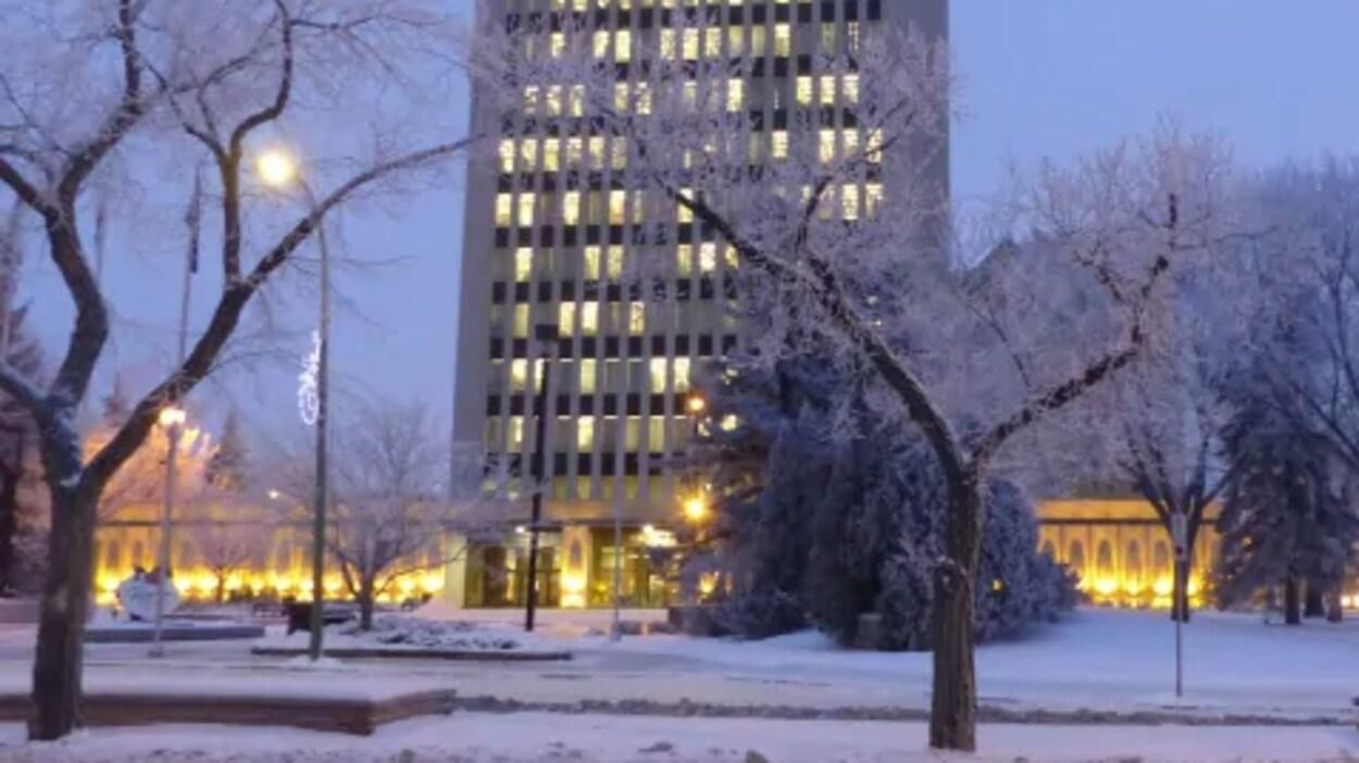 La mairie de Regina sous la neige