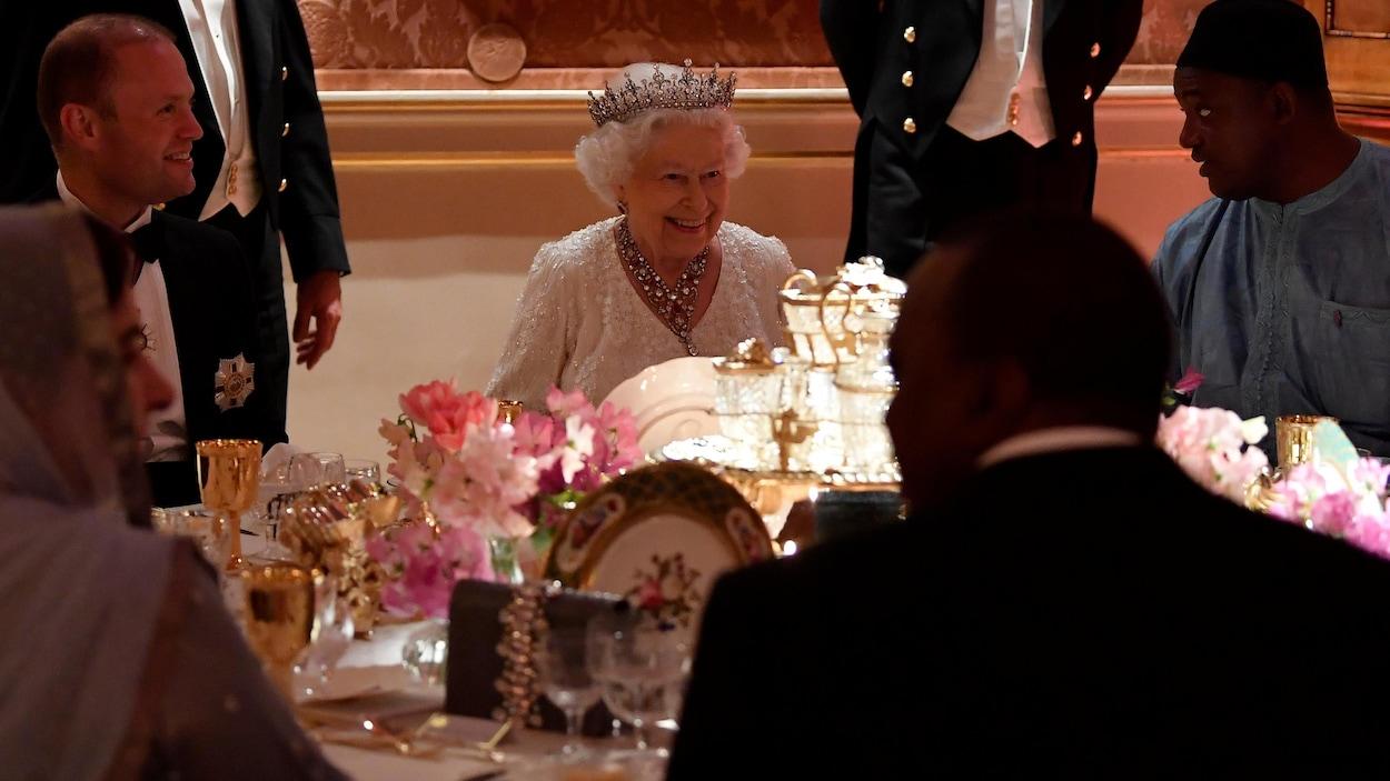 La reine Élisabeth célèbre son anniversaire en grand