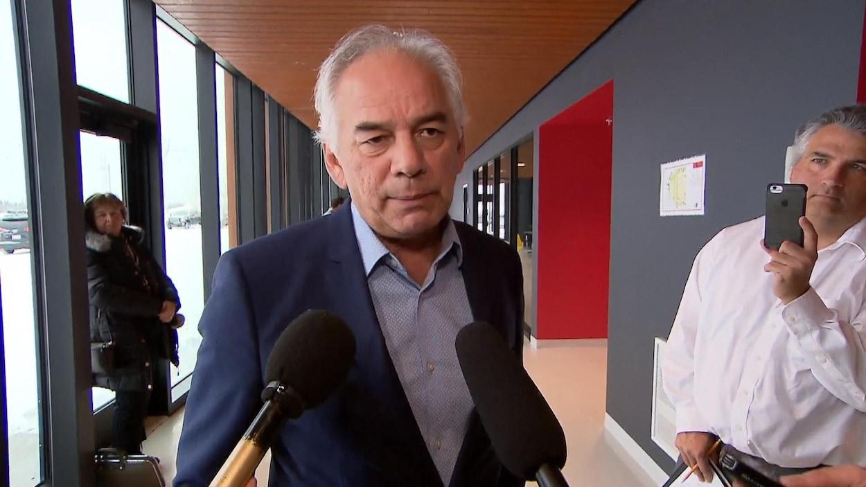 Ghislain Picard accorde une entrevue à la sortie de la rencontre avec François Legault.
