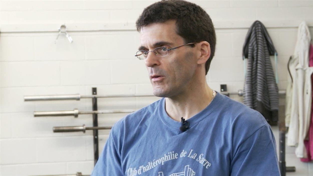 René Bellemarre, au Club d'haltérophilie de La Sarre.