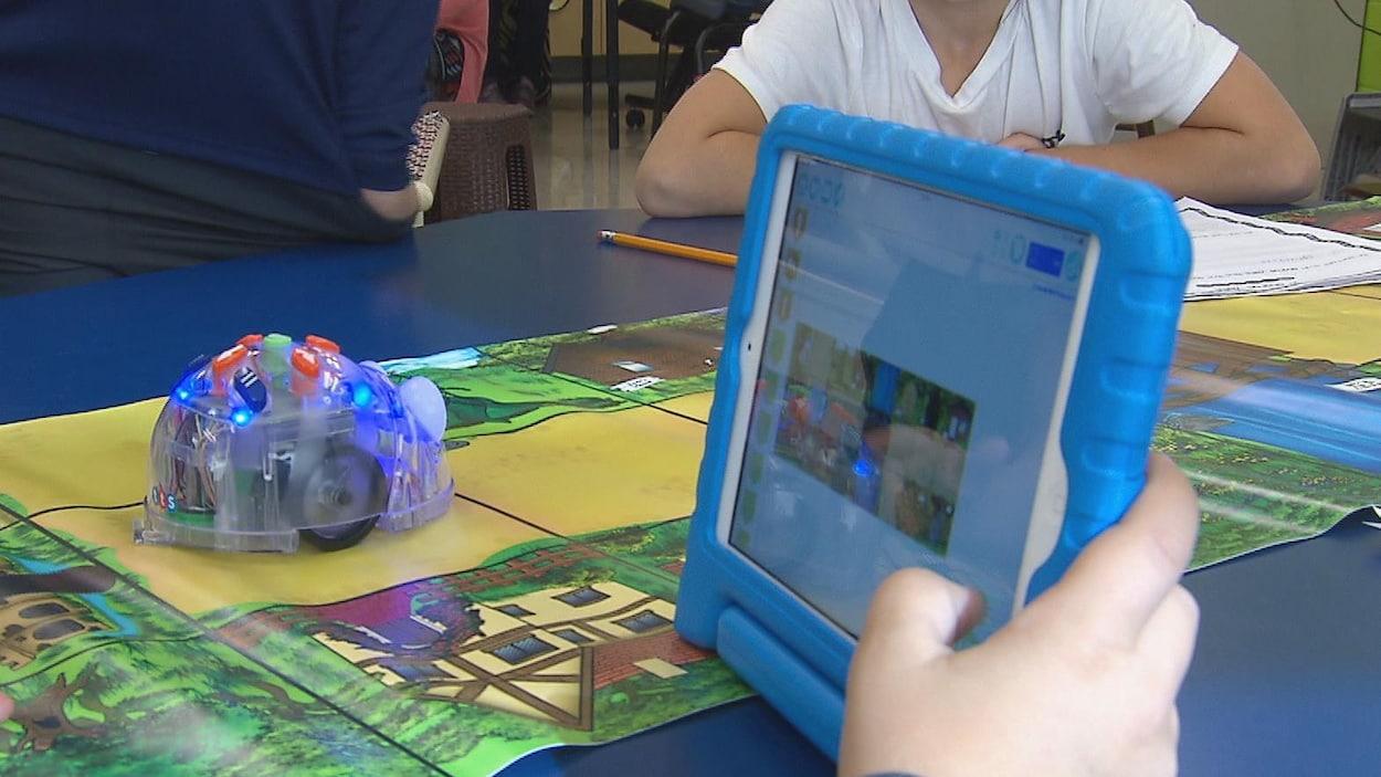 Un robot utilisé pour apprendre aux jeunes à programmer (archives).