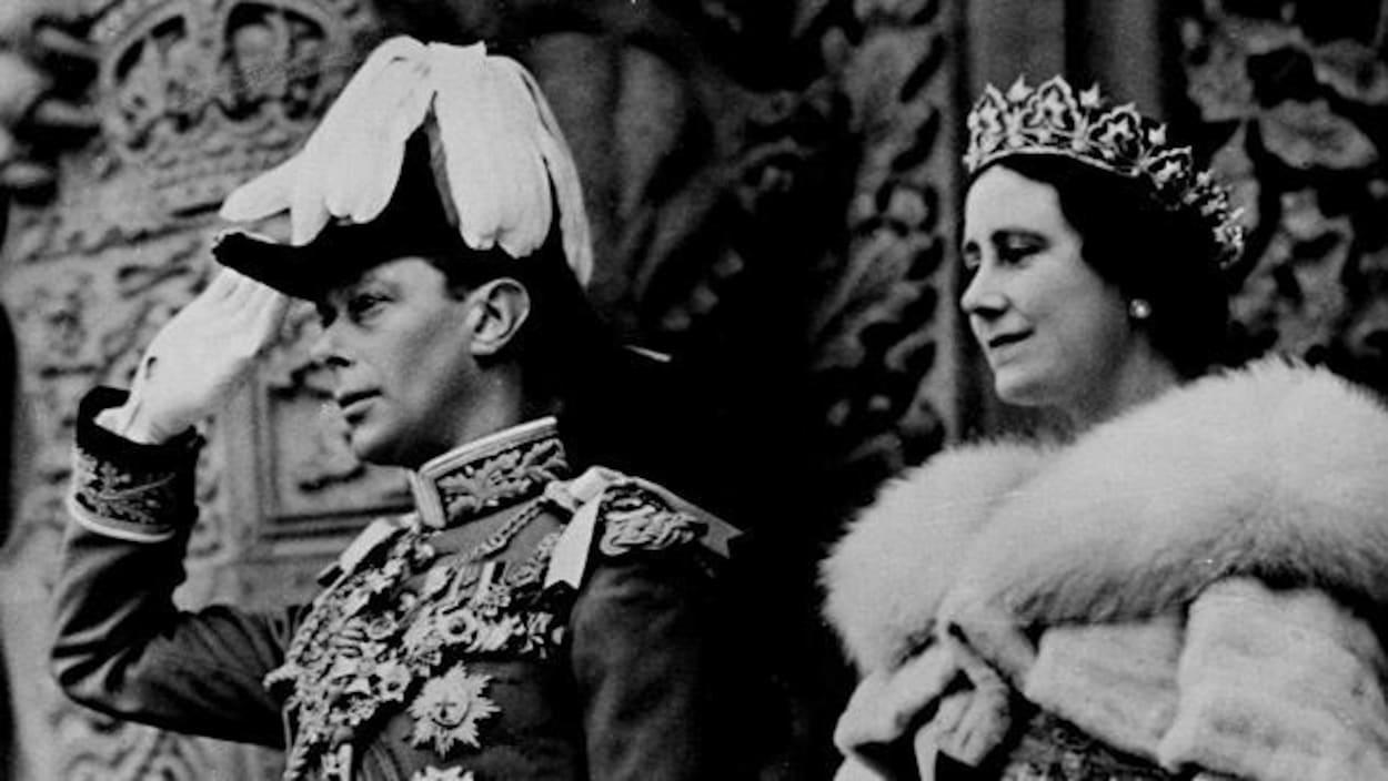 Le roi George VI et la reine Elisabeth (mère) en tenues de grand apparat.