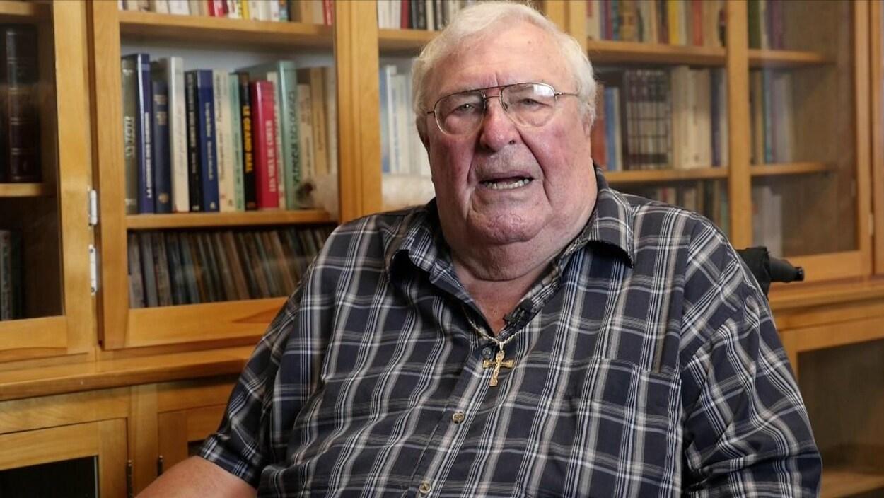 L'abbé Ronald Landry a été nommé curé de la paroisse Saint-Ludger, à Rivière-du-Loup, dans les années 1980.