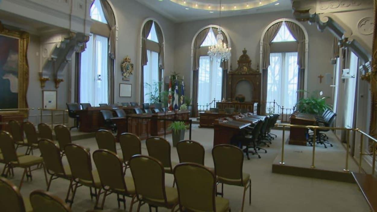 La salle du conseil d'agglomération de Québec.