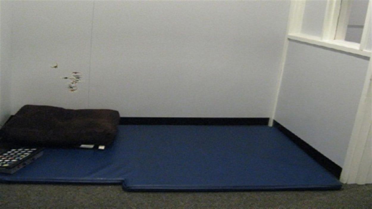 Une salle d'isolement dans une école.