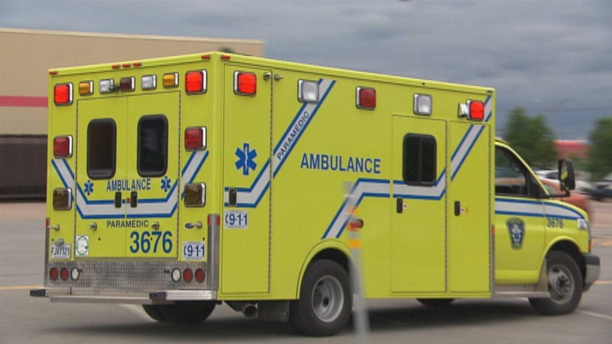 Dès le début de l'année prochaine, il y aura 3 équipes d'ambulanciers pour travailler 24 h sur 24 dans les deux villes.