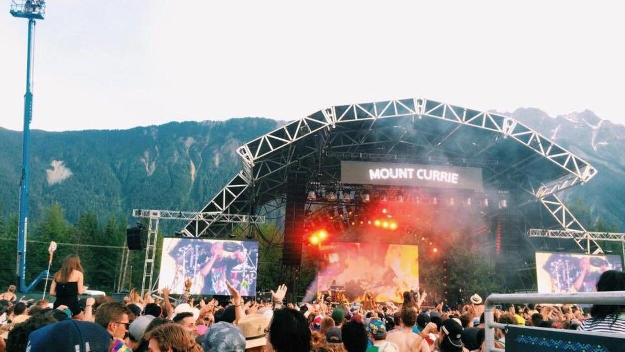 La scène Mount Currie du festival de musique de Pemberton en 2016