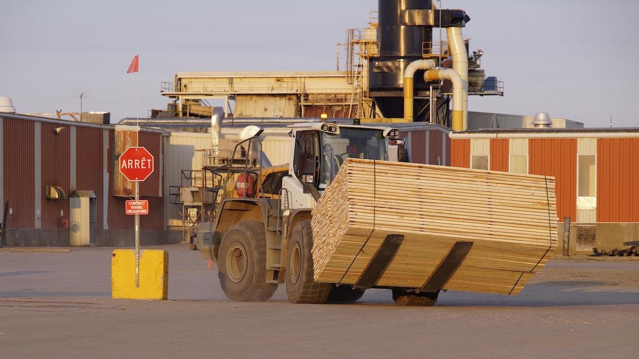 Washington a légèrement revu à la baisse les tarifs imposés aux produits de bois d'oeuvre canadien.
