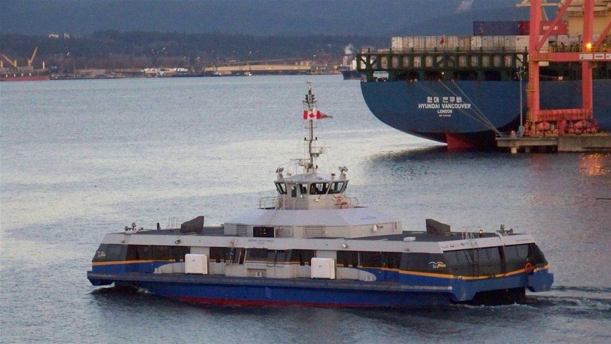 Le SeaBus se dirige vers North Vancouver