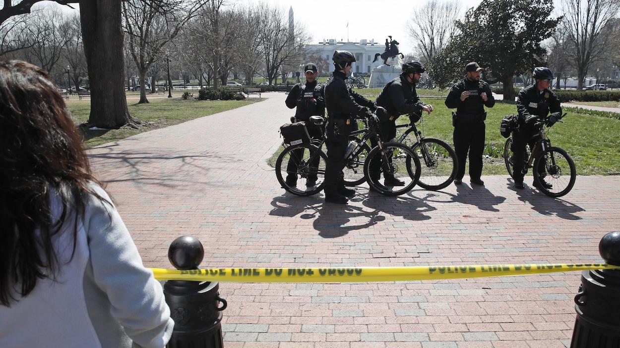 Un périmètre de sécurité a été mis en place à la suite d'une tentative d'intrusion à la Maison-Blanche.