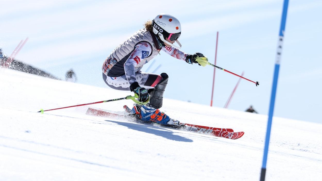 Penelope Robinson en slalom.