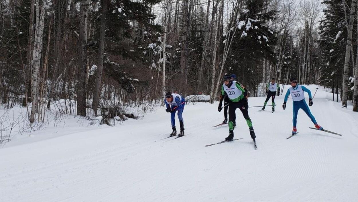 Les skieurs à l'oeuvre