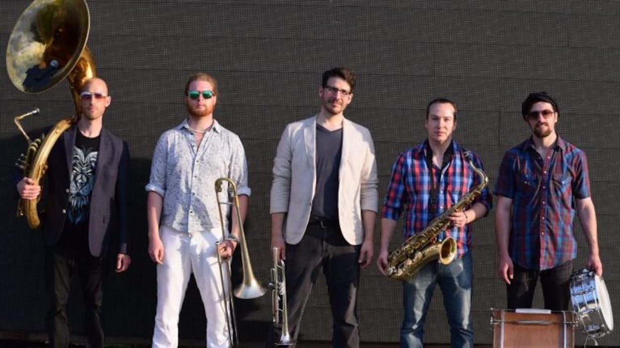 Le groupe Heavyweigts Brass.