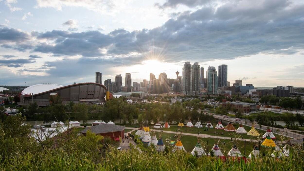 Photo de la ville de Calgary montrant les installations du Stampede.
