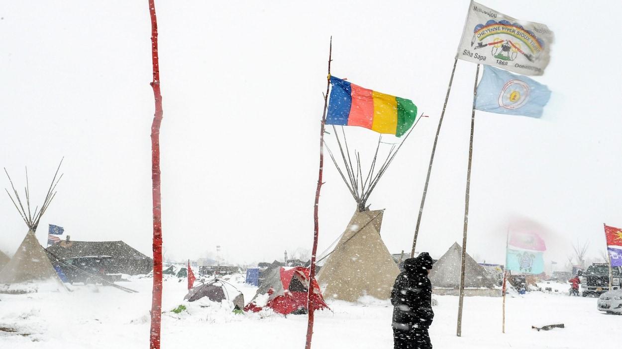 Le camp Oceti Sakowi, au nord de la réserve sioux de Standing Rock, est occupé par des manifestants malgré l'arrivée de l'hiver.