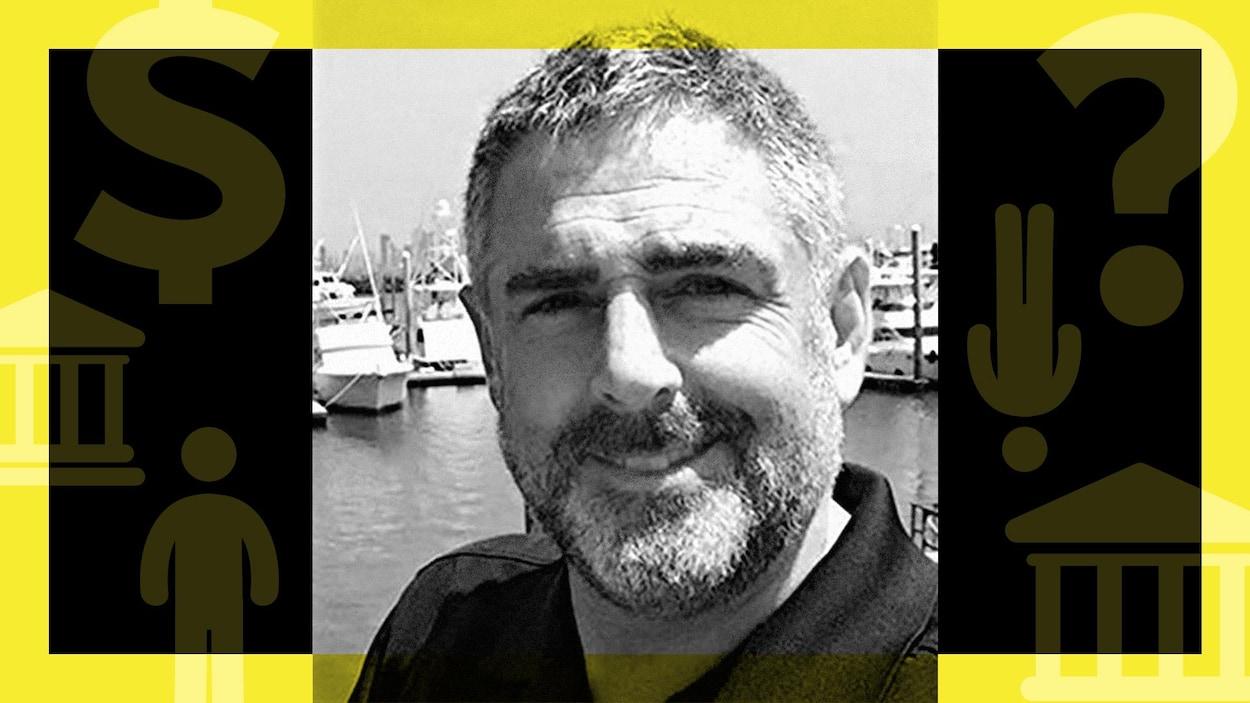 Un montage photo montre Stéphane Langlois devant une marina.