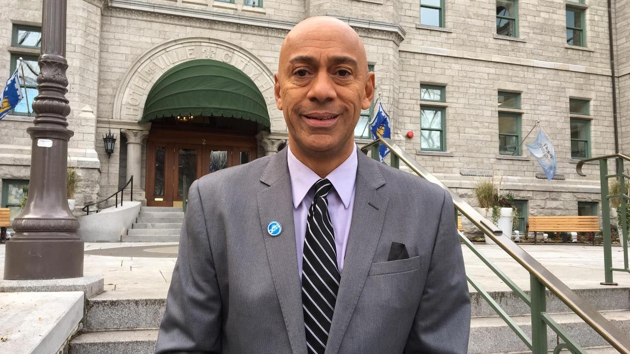 Le conseiller du district Chute-Montmorency-Seigneurial est le premier élu noir à la Ville de Québec
