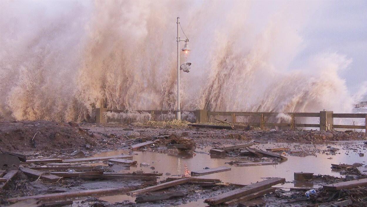 Les tempêtes se font de plus en plus agressives en raison des changements climatiques.