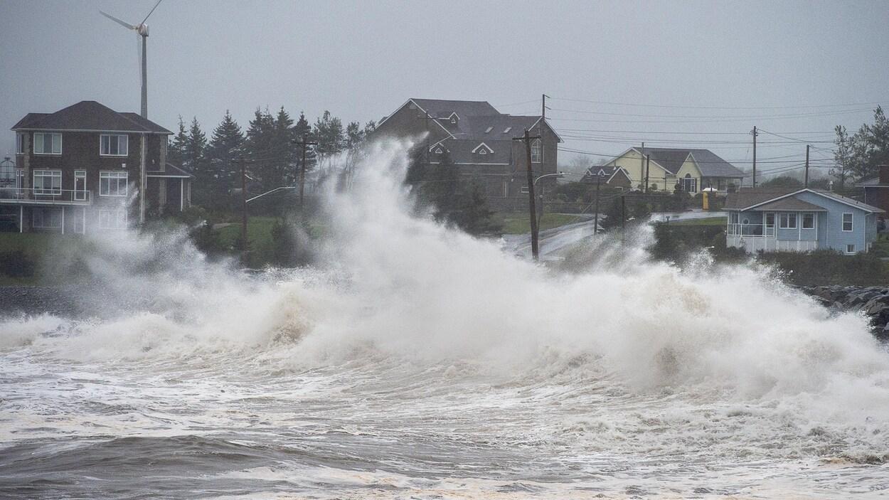 De hautes vagues.