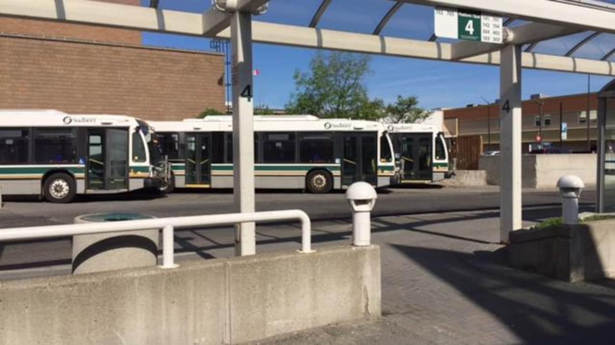 Le Centre de transport des autobus municipaux du Grand Sudbury.