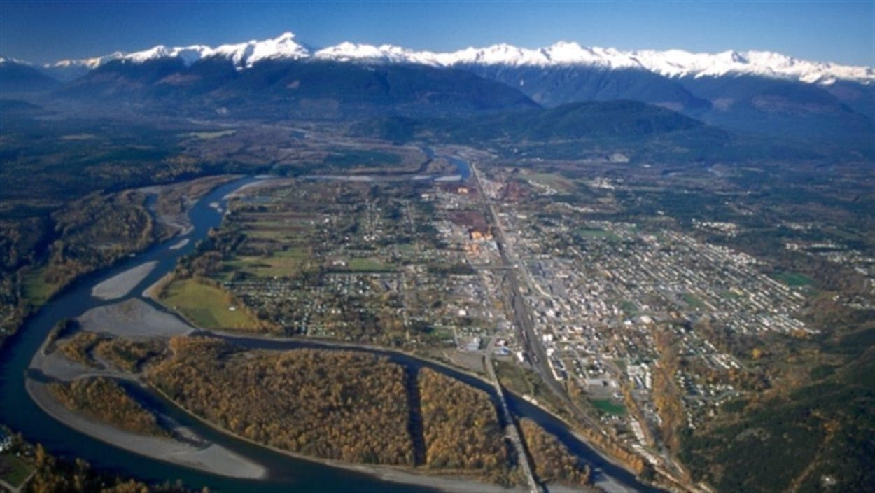 Une vue aérienne de Terrace en Colombie-Britannique