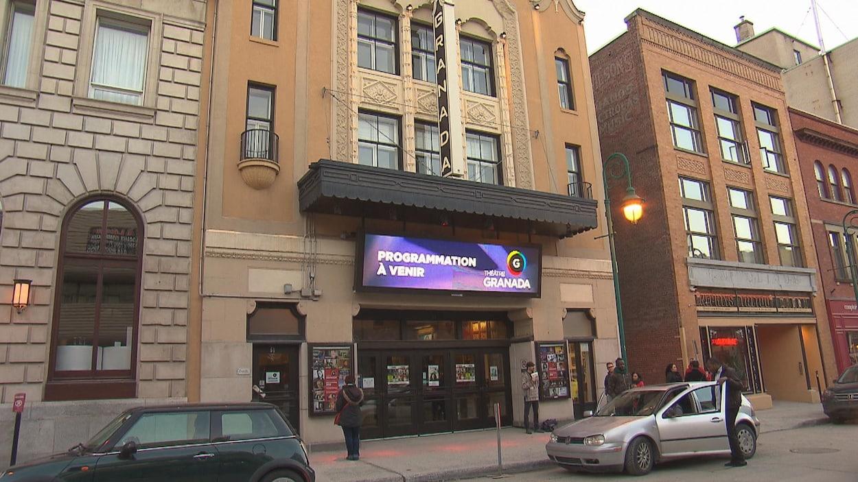 L'indice de vétusté du Théâtre Granada est très élevé, selon la Ville de Sherbrooke. On voit ici la façade avant du bâtiment.