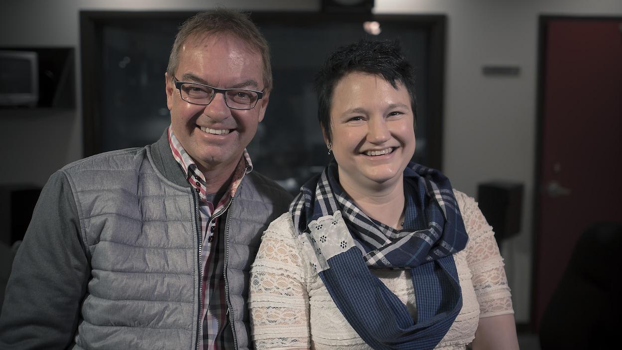 André et Tina Charlebois côte à côte.