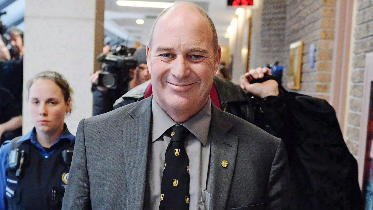 Tom Harding quitte le palais de justice de Sherbrooke le 19 janvier 2018 après avoir été acquitté des accusations qui pesaient sur lui.