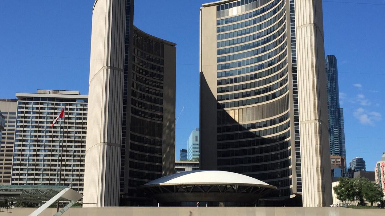 L'hôtel de ville de Toronto.