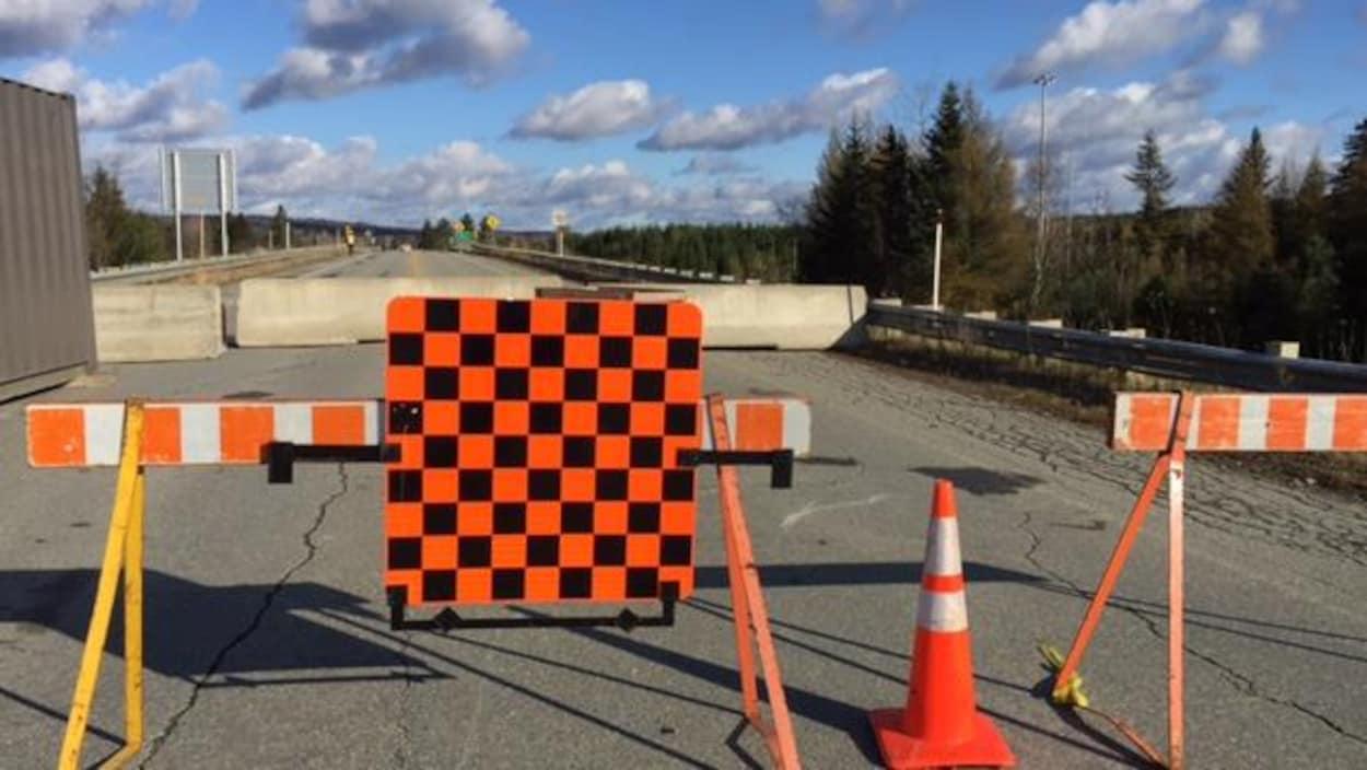 Travaux de réparation du viaduc de la route 141 à Magog