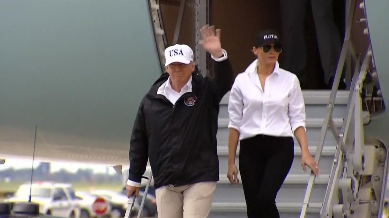 Le président des États-Unis et son épouse arrivent à Corpus Christi, au Texas.
