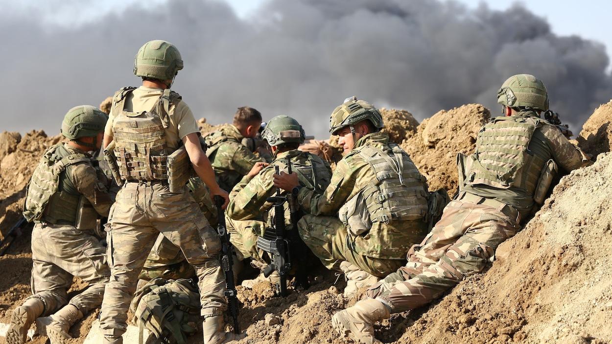 Les effectifs turcs à l'assaut des villes frontalières kurdes dans le nord-est syrien.