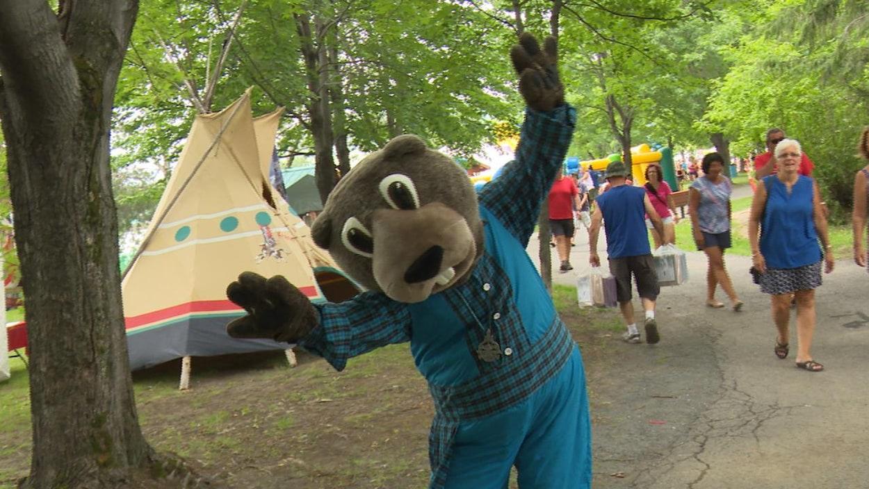 La mascotte du festival « Typique ».