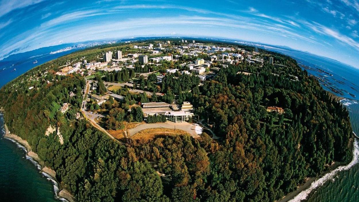 Vue aérienne du campus de l'Université de la Colombie-Britannique