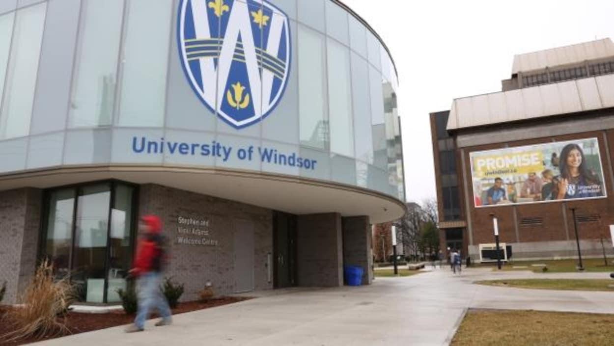 Université de Windsor façade d'un bâtiment