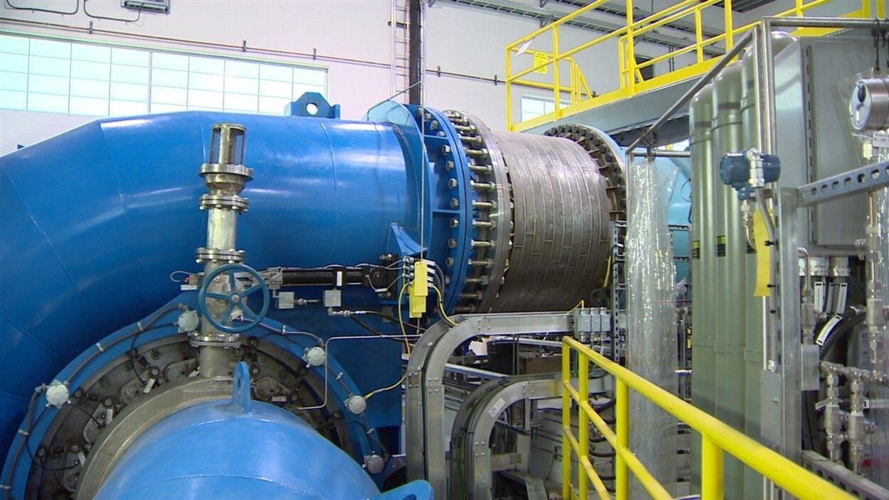 Une canalisation dans l'usine de filtration d'eau.