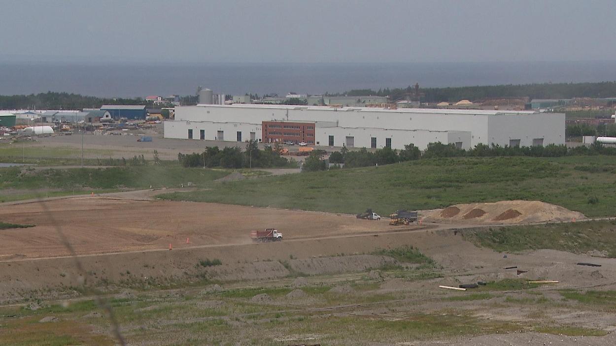 L'usine d'Enercon à Matane et les terrains environnants.
